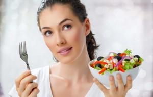 """Ingerir alimentos naturais deve fazer parte da rotina de sua alimentação. Mudar hábitos adquiridos pode exigir boa vontade, mas o resultado em curto prazo compensará o """"sacrifício"""" / GB Imagem"""